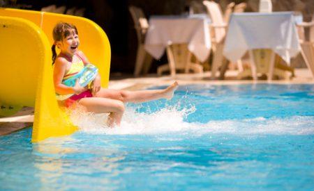Ein Ferienhotel bietet rundum Versorgung für die gesamte Familie