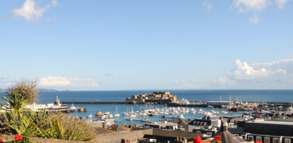 Kanalinseln -besonderes Urlaubsflair vor der Küste Frankreichs