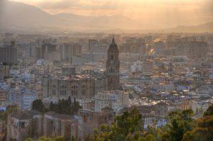 Kathedrale in Malaga im Sonnenuntergang