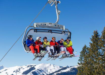 Den Winter entdecken im Ferienpark: Familienfreundlicher Spaß im Schnee